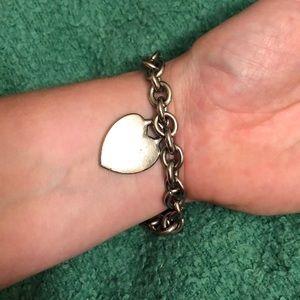Metal heart bracelet